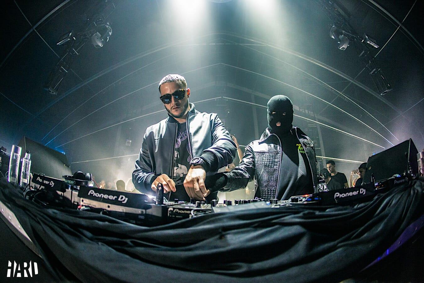 DJ Snake и Malaa снова входят в Секретную комнату, чтобы завершить свою последовательную трилогию — Dancing Astronaut